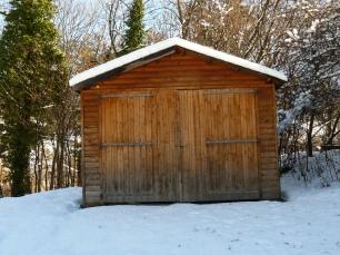 la-cabane-au-fond-du-jardin-sous-la-neige