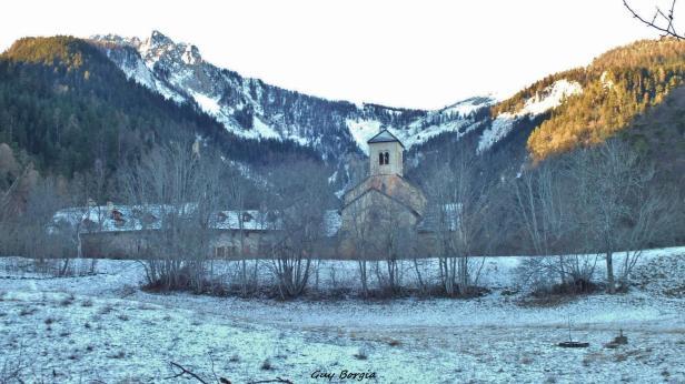 Abbaye de Boscodon sous la neige